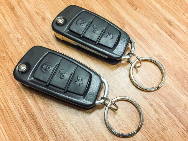 Bicskás kulcsos távirányító modulok