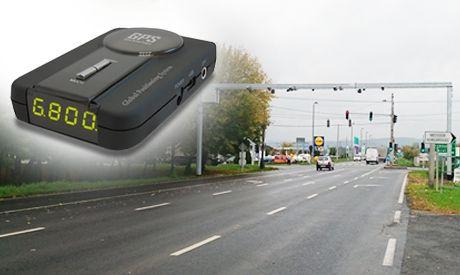Kiyo GPS-800 gps detektor alap készülék a kapu előtt figyelmeztet!